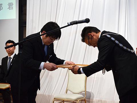 12月卒業例会 (10).JPG